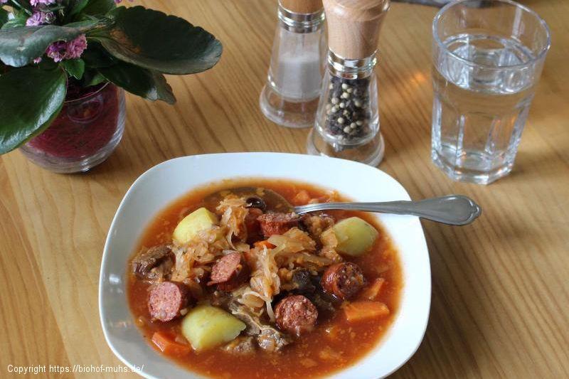 Sauerkraut-Eintopf mit Cabanossi